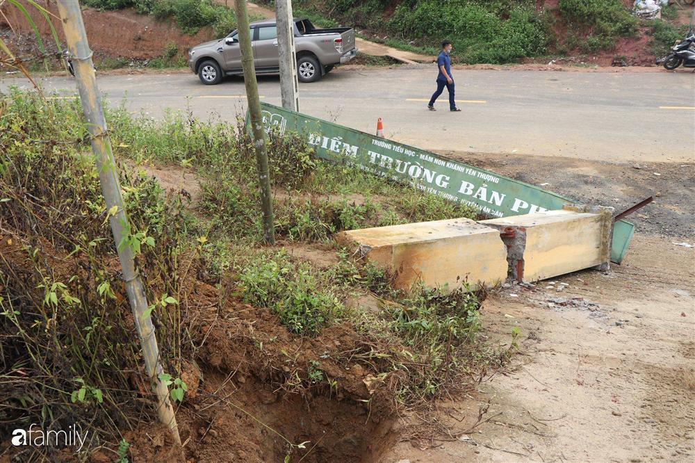 Nghẹn lòng đám tang 3 em nhỏ tử vong trong vụ sập cổng trường ở Lào Cai: Không ngờ bát mì tôm trứng lại là bữa ăn cuối cùng của con-2