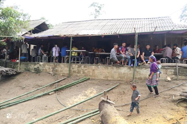 Nghẹn lòng đám tang 3 em nhỏ tử vong trong vụ sập cổng trường ở Lào Cai: Không ngờ bát mì tôm trứng lại là bữa ăn cuối cùng của con-4