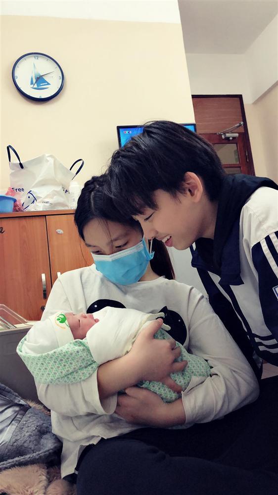 Mẹ Thái Nguyên sinh mổ lần 5 vì quá nghiện con, có lần đang mổ thì gặp trục trặc nên bị y tá liên tục tát vào mặt-5