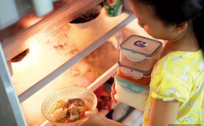 3 kiểu ăn sáng dễ gây hại cho sức khỏe của trẻ, hầu hết bố mẹ Việt đều đang cho con ăn sáng như vậy-3