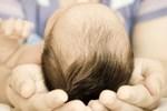 Dù tức giận đến mấy bố mẹ cũng không nên đánh vào 3 vùng nhạy cảm này của trẻ, kẻo có thể gây bại não, để lại di chứng sau này!-5
