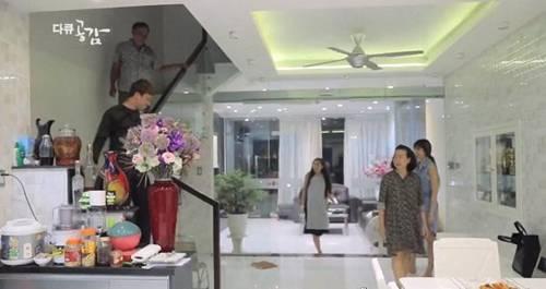 Con cái diễn hài kiếm trăm tỷ, bố mẹ Trấn Thành ở biệt thự, Trường Giang gây sốc-3