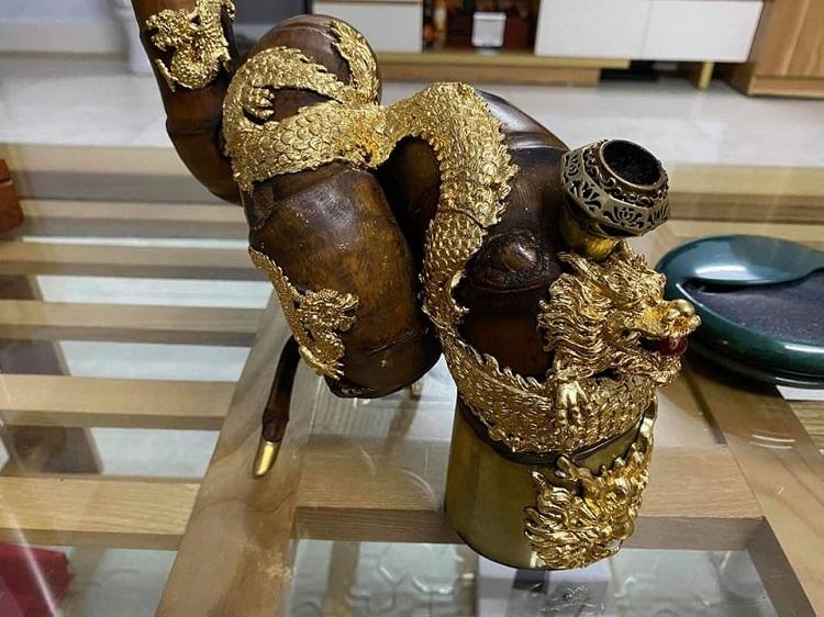 Chiếc điếu cày dát vàng 9999 độc nhất vô nhị đại gia có tiền cũng không mua được-3