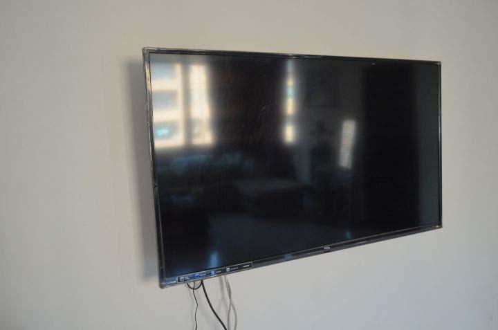 Cách vệ sinh màn hình tivi đúng cách, sạch không tì vết lại không gây hư hỏng-5