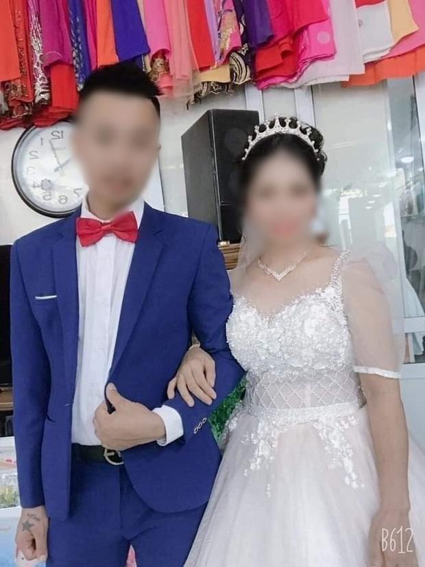 Xôn xao về loạt ảnh cưới của cặp đôi Thái Nguyên: Chú rể 27 cưới vợ 47 tuổi, xuất hiện những lời tố cáo từ người quen cô dâu!-3
