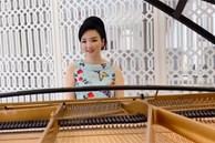 Hoa hậu Giáng My trổ tài chơi piano điêu luyện khiến fan trầm trồ