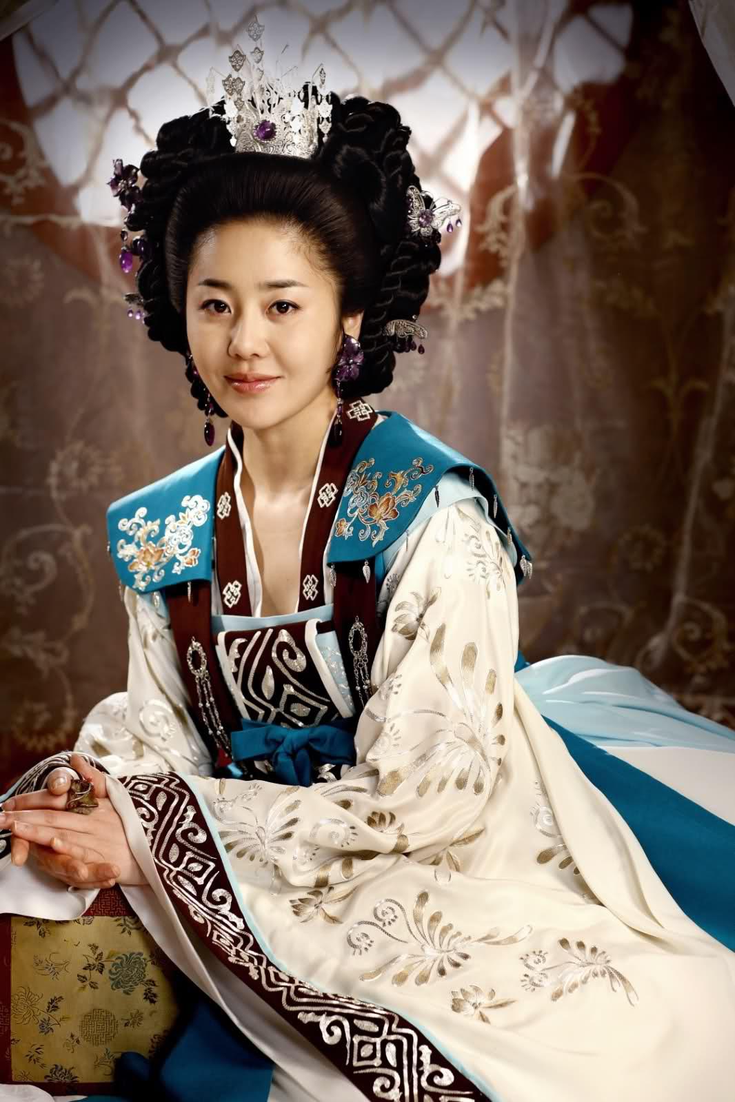 Dàn minh tinh nhận kết đắng vì lấy chồng siêu giàu: Á hậu sống như giúp việc trong gia tộc Samsung, quốc bảo xứ Hàn tự tử hụt-10
