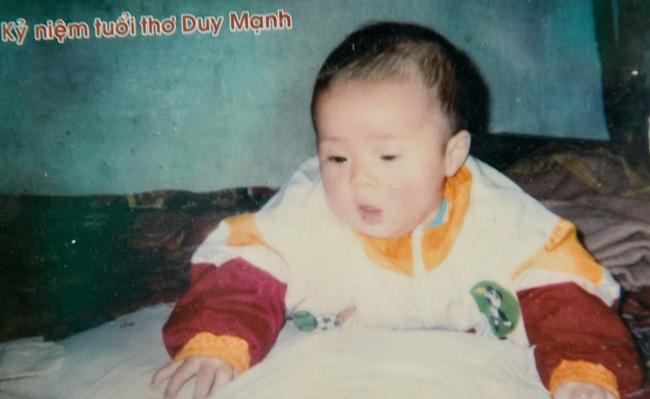 Lục lại ảnh ngày bé của Duy Mạnh, dân mạng lập tức khẳng định: Quỳnh Anh lại không thoát được kiếp đẻ thuê rồi!-2