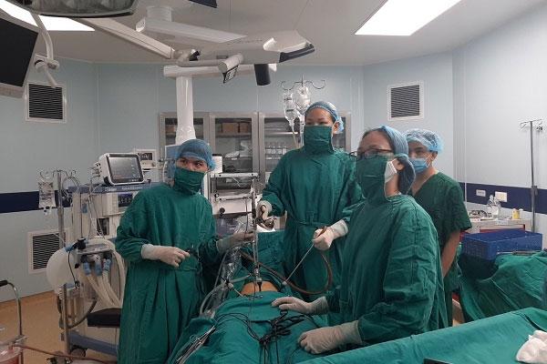 Chậm kinh 20 ngày, đau tức vùng bụng, nữ bệnh nhân không ngờ mang thai ở vị trí hiếm gặp-1