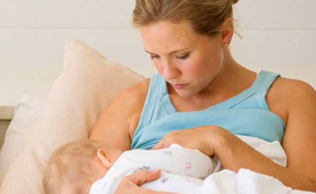 """Sữa mẹ rất tốt, nhưng sẽ trở thành sữa độc"""" gây nguy hiểm cho bé nếu mẹ làm điều này-1"""