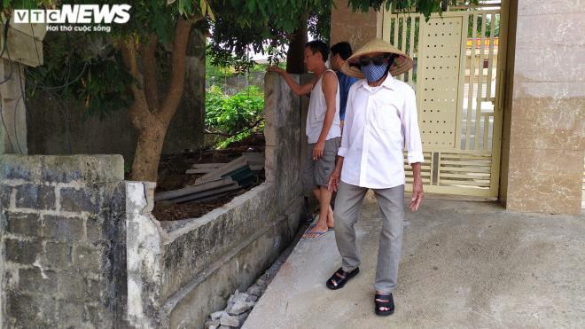 Tường đổ đè học sinh lớp 5 chết thương tâm: Không ai thừa nhận bức tường-2