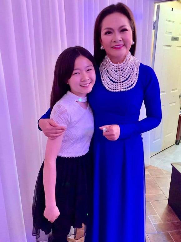 Bất ngờ với nhan sắc chuẩn mỹ nhân của con gái ca sĩ Như Quỳnh trong lần hiếm hoi xuất hiện-3