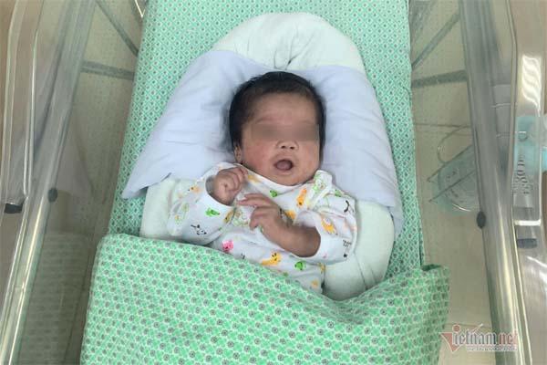 Thai nhi 1,6kg bị phá bỏ ở tuần thai 31 bất ngờ sống lại