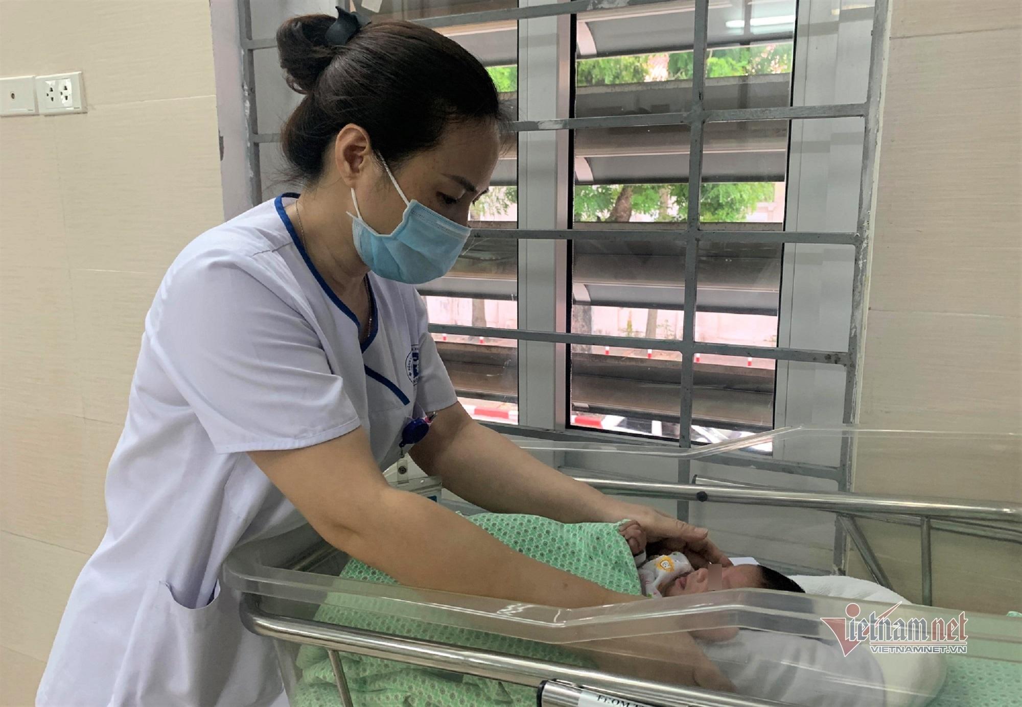 Thai nhi 1,6kg bị phá bỏ ở tuần thai 31 sống lại kỳ diệu-2