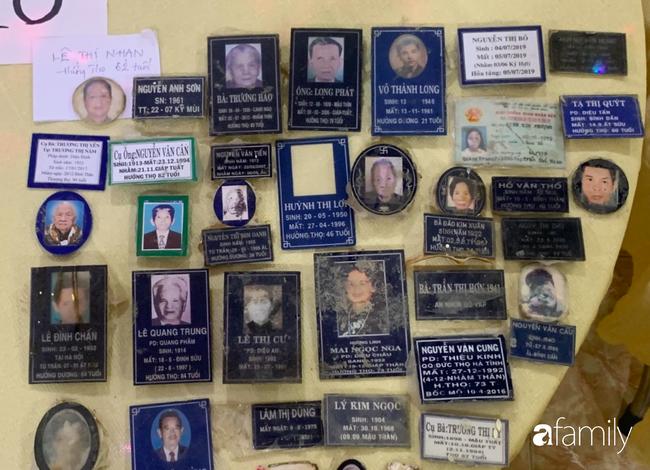 Éo le nhiều gia đình nhận chung hũ tro cốt người thân bị thất lạc di ảnh gửi tại chùa Kỳ Quang 2-4