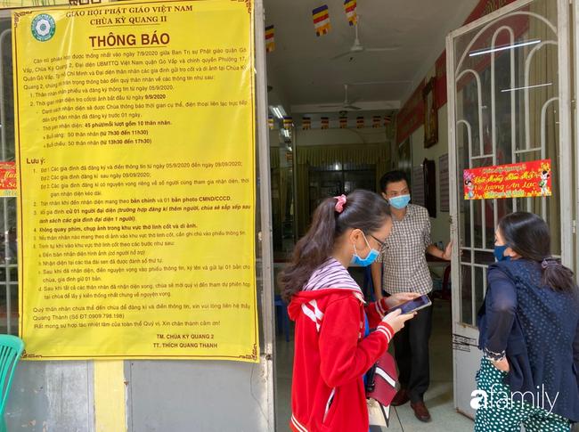 Éo le nhiều gia đình nhận chung hũ tro cốt người thân bị thất lạc di ảnh gửi tại chùa Kỳ Quang 2-5