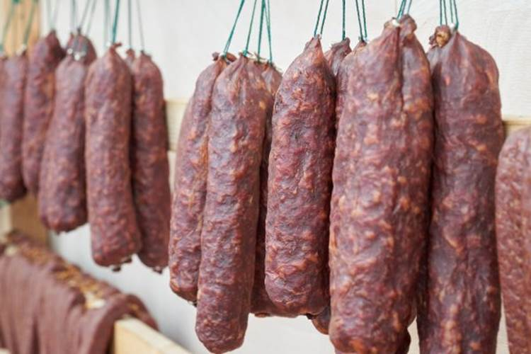 Loại thịt có khả năng gây ung thư cao bậc nhất được WHO cảnh báo nhưng nhiều người vẫn tiêu thụ mỗi ngày như một món khoái khẩu-3