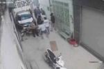 TP.HCM: Người đàn ông ôm vết thương ở cổ gục chết trước nhà dân sau khi cự cãi trong quán cà phê-3