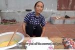 Làm món bánh tiêu phiên bản kinh dị, bà Tân Vlog bị soi nấu ăn mất vệ sinh-9