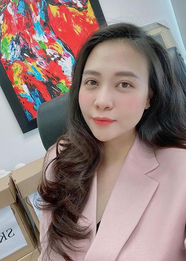 Đọ sắc hội chị em toàn hot mom của Đàm Thu Trang khi làm bà đẻ: Người phá nét không nhận ra, người xinh đến mức bác sĩ phải khen-5