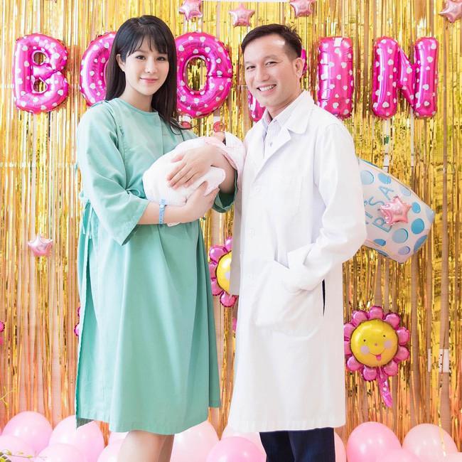 Đọ sắc hội chị em toàn hot mom của Đàm Thu Trang khi làm bà đẻ: Người phá nét không nhận ra, người xinh đến mức bác sĩ phải khen-7
