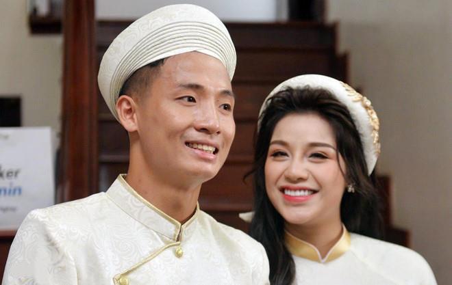 Vợ chồng Bùi Tiến Dũng rạn nứt: Cặp đôi hôm trước còn rất mặn nồng, khó tin có mâu thuẫn lớn đến mức Nguyễn Khánh Linh cạch mặt chồng-13