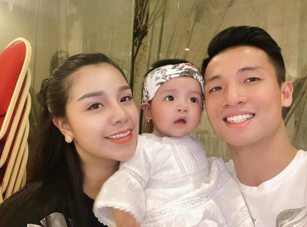 Khánh Linh từng lên báo kể tủi thân vì lấy chồng cầu thủ-6