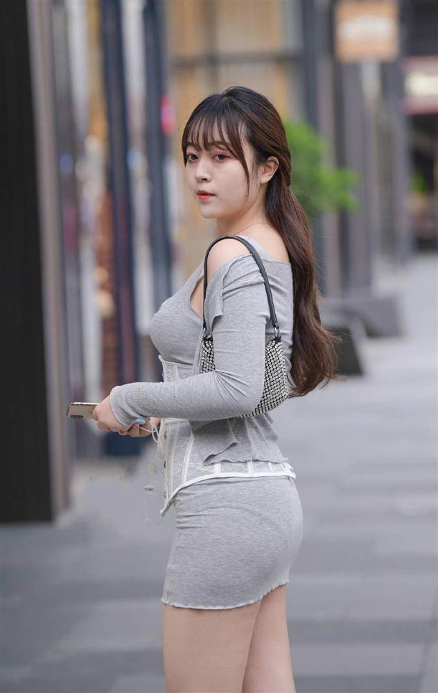 Phái đẹp ứng dụng corset vào street style hàng ngày: Là hết hồn hay đẹp theo cách riêng?-11