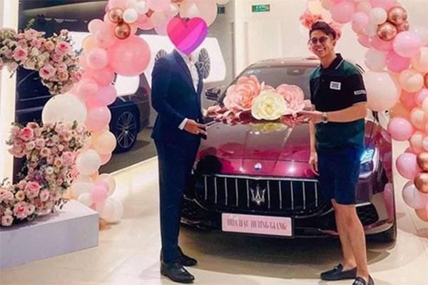 Matt Liu chi mạnh tay tặng siêu xe cho Hương Giang