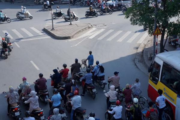 Dự báo thời tiết 15/9, Hà Nội nắng, Sài Gòn có mưa-1