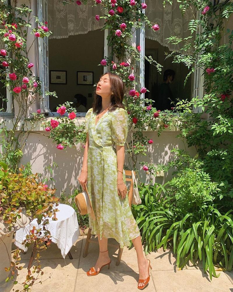 Gái Pháp cứ Thu đến là lại diện váy hoa, mặc vừa xinh lại còn siêu thanh lịch-9