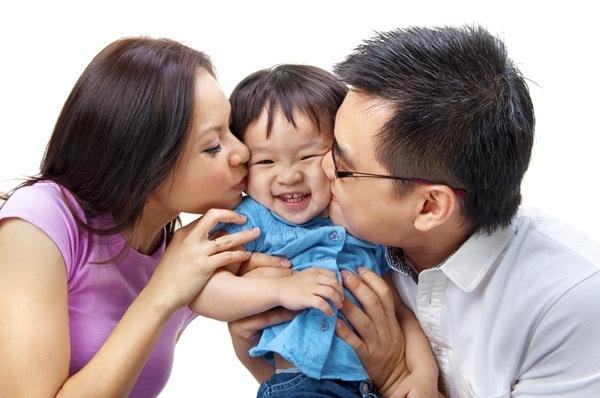 Con cái xa cách bố mẹ, hãy làm ít nhất 1 điều sau trước khi đi ngủ, bé không những lại dính như sam mà tương lai còn tươi sáng, rộng mở-2