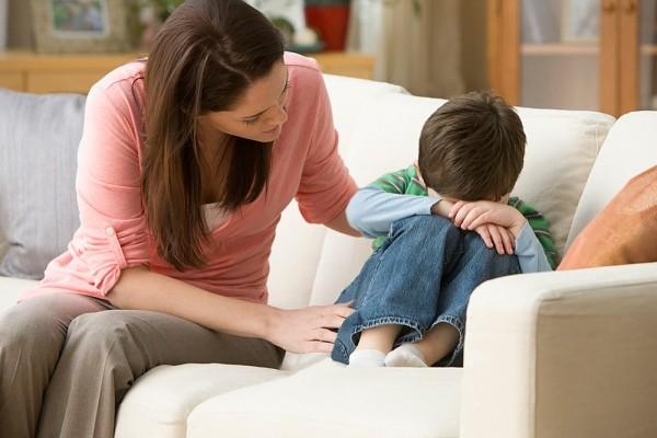 Con cái xa cách bố mẹ, hãy làm ít nhất 1 điều sau trước khi đi ngủ, bé không những lại dính như sam mà tương lai còn tươi sáng, rộng mở-1
