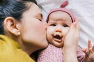 Tài khoản Tik Tok hơn 150 nghìn người theo dõi khiến các mẹ hoang mang với chia sẻ: 'Hôn trẻ khiến trẻ bị bại não'