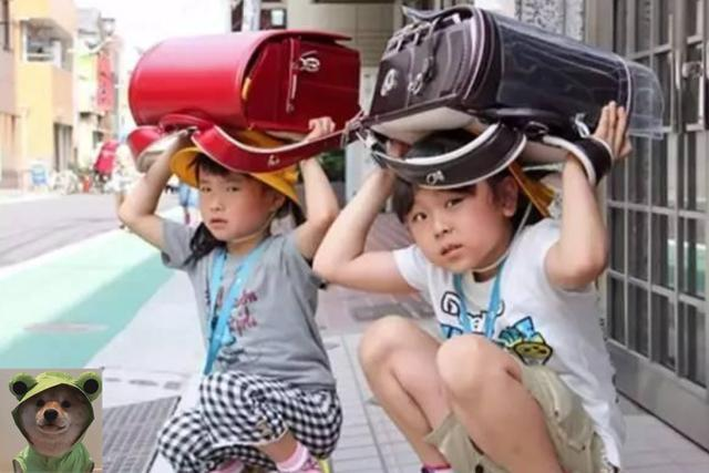 Vì sao cặp học sinh tiểu học Nhật Bản có giá hơn 30 triệu VNĐ? Bí ẩn bên trong đáng kinh ngạc, thời điểm mấu chốt có thể biến thành vật cứu thân-6