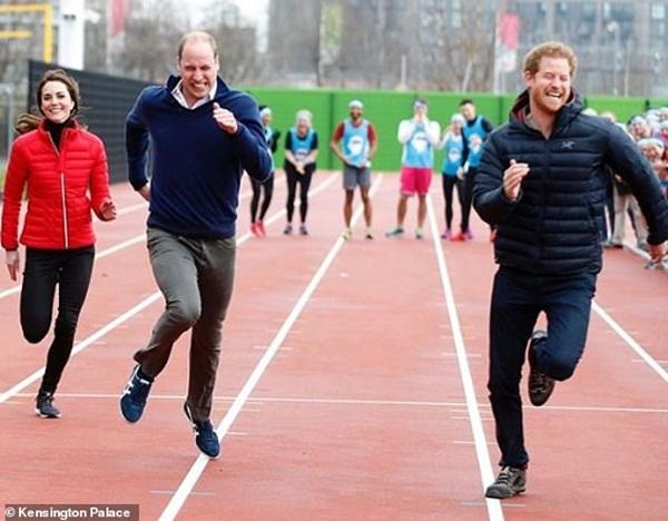 Harry đón sinh nhật tuổi 36 đầy khác biệt, động thái của các thành viên hoàng gia Anh trở thành tâm điểm chú ý-1