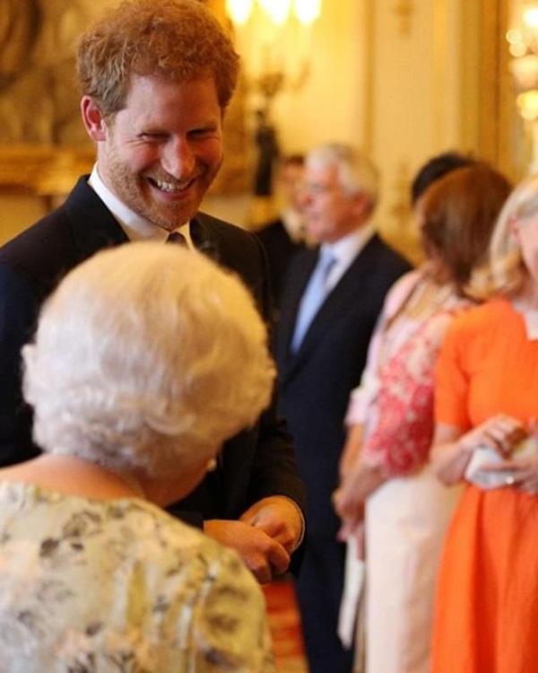 Harry đón sinh nhật tuổi 36 đầy khác biệt, động thái của các thành viên hoàng gia Anh trở thành tâm điểm chú ý-3