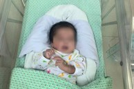 Người phát hiện em bé 31 tuần trong túi nilon ở vệ đường: 'Thấy con tôi ôm luôn vào lòng'