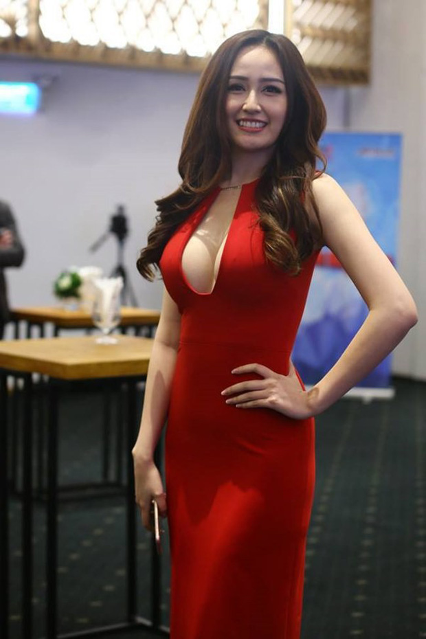 Hoa hậu mặc bốc nhất hẳn là Mai Phương Thúy: Chuyên diện váy áo trễ nải, nhiều phen vòng 1 như trào ra ngoài-12