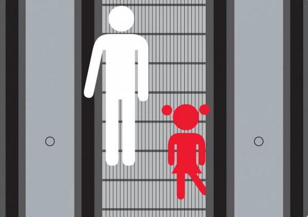 Bé trai 3 tuổi bị mắc kẹt chân trong thang cuốn ở trung tâm thương mại chỉ vì đôi giày quen thuộc mà các mẹ hay mua cho con-6