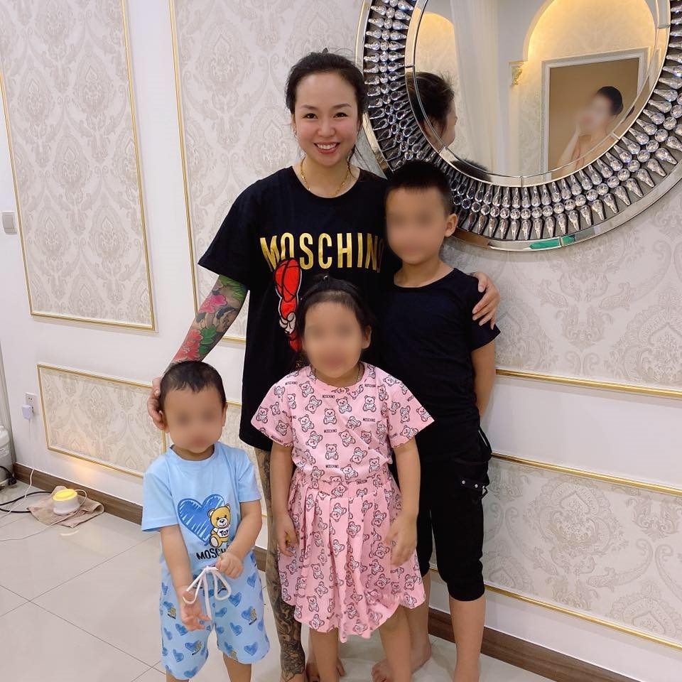 Bà mẹ 3 con với thâm niên 7 năm học võ vô tình nổi tiếng nhờ pha đánh ghen hộ trên phố Lý Nam Đế: Về nhà mới thấy tiếc vì mặc váy!-5