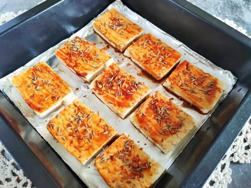 Chán rán hoặc sốt cà chua, cho đậu phụ vào nướng lại được món ngon bất ngờ-5