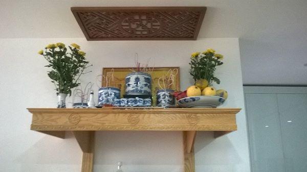 Ở nhà chung cư lưu ý đặt bàn thờ gia tiên đúng vị trí này để gọi may mắn-2