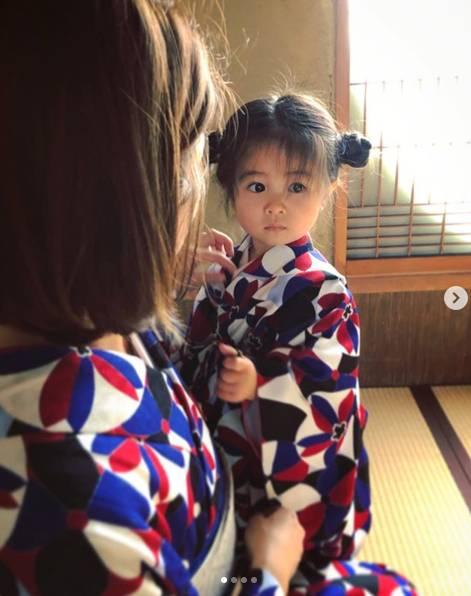 Từng nổi tiếng khắp MXH với mái tóc bờm sư tử lúc bé, hình ảnh hiện tại của cô bé tóc xù càng khiến mọi người bất ngờ hơn-11