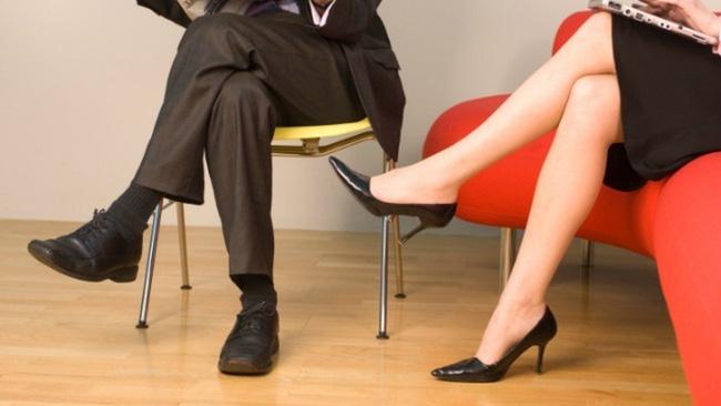 Người phụ nữ gặp tình trạng đi tiểu nhiều lần, mất hứng thú tình dục, bác sĩ chỉ ra nguyên nhân do tập squat-2