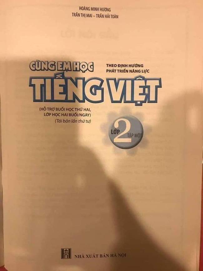Sách Tiếng Việt lớp 2 khiến phụ huynh sửng sốt khi để học sinh kể chuyện: Nếu tớ thi trượt, bố sẽ cho đi làm xe ôm kiếm cơm-2