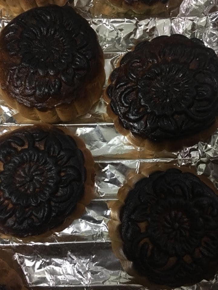 Hội Ghét bếp trổ tài làm bánh Trung thu, nhìn thành quả xong chỉ muốn quăng cả lò lẫn bánh-1