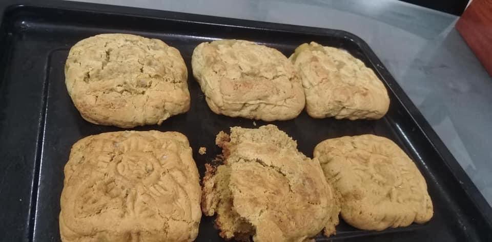 Hội Ghét bếp trổ tài làm bánh Trung thu, nhìn thành quả xong chỉ muốn quăng cả lò lẫn bánh-13
