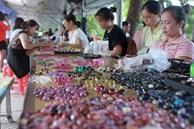 Chợ 'bán đá quý như rau ở Việt Nam cũng bị ảnh hưởng do Covid-19