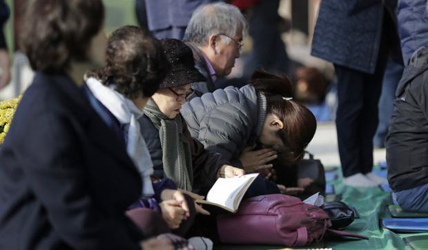 Cuộc chiến thi đại học Hàn Quốc: Học 16 tiếng/ngày, nhốt mình trong phòng biệt giam trắng, ám ảnh đến mức cần thôi miên để trấn tĩnh-2
